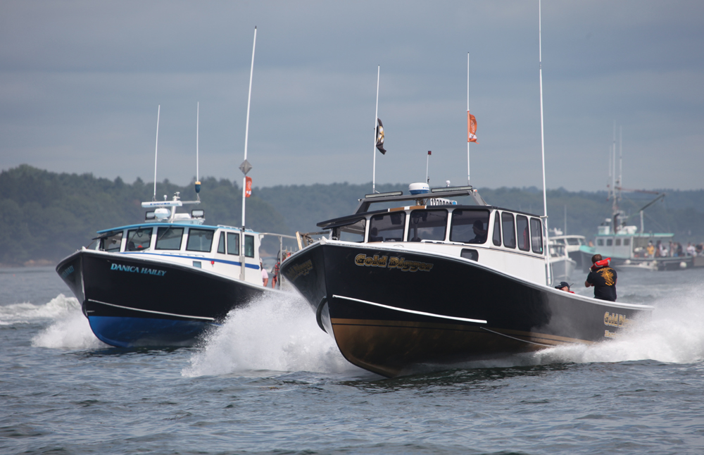 Lobster Boat Racing Season Comes to an End at Portland
